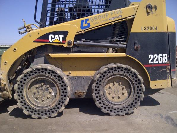 Nu-Air DT tires on CAT 226B_2