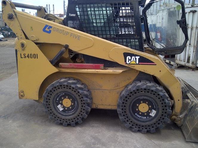 Nu-Air DT tire on CAT 226B