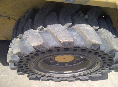 Nu-Air DT skid steer tire_2