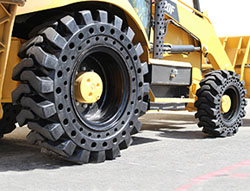 mclaren solid cushion_tire _installed on caterpillar 420f