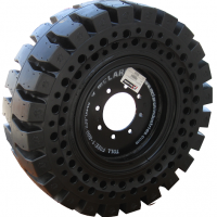 How Rubber Compounds Affect Solid Skid Steer Tire Life