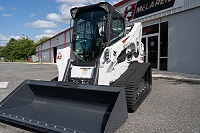 How To Select the Right Tracks for Your Track Loaders