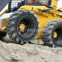 Solid Cushion tires for skid steer loaders John Deere 320