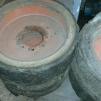 Old OEM solid tires 980 hours