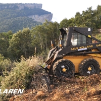 Nu-Air skid steer tires on New Holland L485